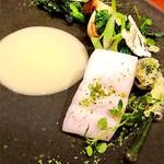 80918777 - 『海と大地の競演 本日のお魚 ブールブランソース』¥2,700