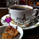 デザートカフェ ユウタ - かわいいカップで飲むコーヒーは最高!