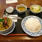 80921939 - グリーンカレー(ライス、サラダ、スープ、デザート付)