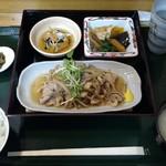 めし屋 里 - 日替わり定食(豚肉ときのこポン酢)