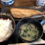 食事処 桜の木 - しまほっけ(半身)定食 900円。