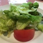 アントニオ - ★★★☆ ランチのサラダ