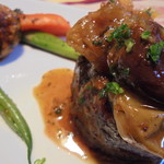 レストラン マリー - 仔牛フィレのステーキ。とても柔らかく極上。