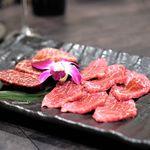 鉢山 - 雌牛ロース 、特選厚切りハラミ