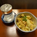 立呑み お酒の神様 - マカロニサラダ(350円)