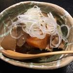 玄杜亭 - 鴨皮とモツの味噌煮こみ