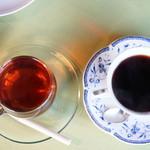 チャビーカフェ - 伊勢の和紅茶@400とブレンドレギュラーコーヒー@400