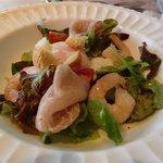 マルコポーロ - 前菜の生ハムサラダ