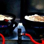 餃子の丸満 - 20110531 焼かれてる餃子のようす