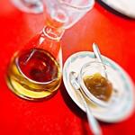 La Salive - パン用のオリーブオイルと梅ジャム