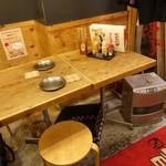 ゴキゲン鳥 - ☆カジュアルな雰囲気のテーブル席(#^.^#)☆