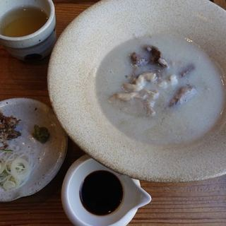 そばの実 一閑人 - 料理写真:牛すじのそば湯炊き 900円