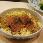 Umenohana - ◆鰻セイロを選びました。 鰻が薄くて小さいこと。このお値段のコース内ですから仕方ないですね。(^^;) ご飯はお茶碗1膳分程度で鰻のタレでお味付がされています。