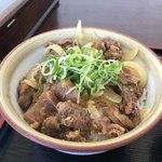 元気うどん - 味噌牛スジ丼  ¥500