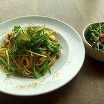 ビストロ グリル トドス - 日替わりパスタランチ(あさりと水菜のペペロンチーノ)