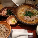 大戸屋 - 料理写真:期間限定 せりと鴨の出汁鍋定食。五穀米少なめ。ほうれん草のおひたし追加。