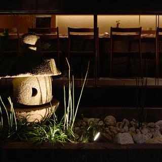 【個室完備】思わずほっとする落ち着いた空間と粋な小料理