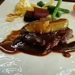 ぎんぎん - 牛ヒレ肉のステーキ フォアグラ添え