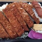 新田ミート - 料理写真:【2018年2月】ジャンボチキンカツ弁当