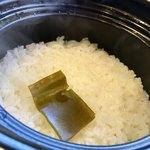 """熟成焼肉いちばん - 料理写真:真っ白 """" 土鍋ご飯 """" (♡ >ω< ♡)"""