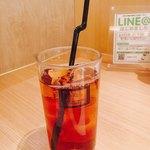 エイジング・ビーフ ワテラス - ドリンクは黒ウーロン茶。