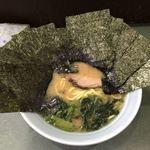 つくし亭 - 料理写真:クラシカルなトンコツ醤油ラーメン