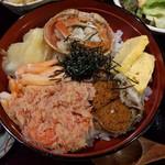 80972374 - セイコガニ丼。