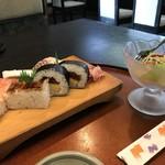 さわだ - 料理写真:私のいただいた「びっくりセット」まずは寿司とサラダから(2018.2.15)