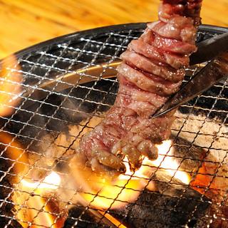 一番人気焼肉食べ放題!紀州備長炭!水七輪でふっくらA5宮崎牛