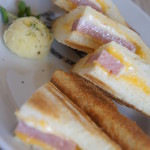 80983371 - スパムとチーズのホットサンド