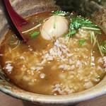 焼きあご塩らー麺 たかはし - 残った「あご出汁スープ」にご飯を入れ、薬味に柚子胡椒も入れた「あご出汁茶漬け」。超美味!