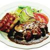 バードランド 3 - 料理写真:大人気の自家製ハンバーグ