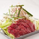 龍陣 - ピり辛あまダレと ぷりっぷり和牛ホルモン,美豚、地鶏、山盛り野菜たちともコラボレーションは抜群です