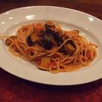 イタリア田舎料理 ダンロ - 茄子のトマトソースパスタ。
