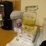 ホテルルートイン - 朝食会場のリンゴ酢