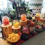 OMK ORAGNIC&NATURAL MARKET KITCHEN -
