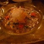 999匹の羊 - 3,000円コース。前菜 鯛のカルパッチョ。