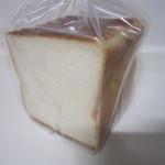 グリーンベル - 料理写真:角食パン6枚切り