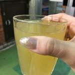 コーヒースタンド小嶺 - 冷やしレモン 120円