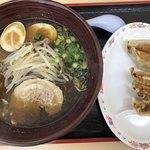 にんたまラーメン - 料理写真:プレミアム黒にんたま餃子セット1,000円