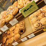 ビゴの店 - 店内のパン