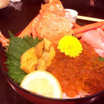 Gyoshoutakaaki - ウニ・いくら・カニ豪華三色丼