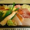 笹互 - 料理写真:ワンコイン海鮮丼のお店でなぜに特上チラシか:汗