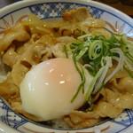 81015041 - 温泉タマゴ入りの豚丼
