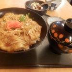 81018478 - 日替わり 豚丼 830円