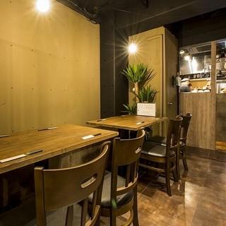アクセス良い立地と、グループ向きの席もある店内は宴会に最適
