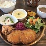 Cafe terrace kikinomori - ききのもりランチ1000yenジャストです!主菜は3種類の中から、あとライスかパンか選べます。