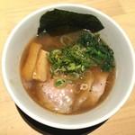 らーめん みふく - 鶏々醤油らーめん(魚粉トッピング(無料)) 750円