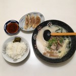 ラーメン奈々 - ラーメンギョウザ セット  ¥920