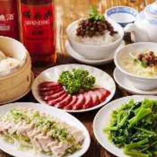 担仔麺など新台北の料理は様々な味が安く贅沢に味わえる♪